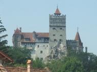 Erdély - Törcsvár :: Törcsvár avagy Bran, a Drakula kastély vagy vár. Egy kis község, a felette lévő dombon van a vár.